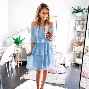 Dresses & Skirts - Light blue tiered midi dress